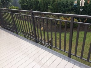 Aluminum deck railing. Thick double top cap side mount