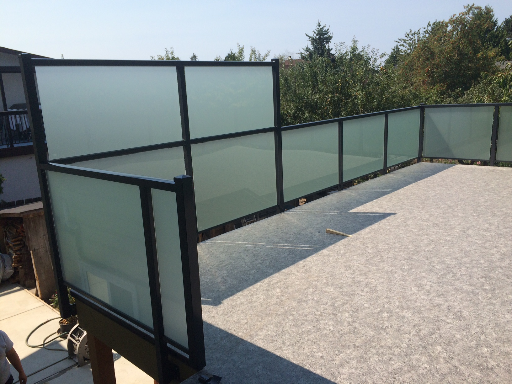 Cost of Deck Railings in Vancouver: Wood, Aluminum, Glass ...
