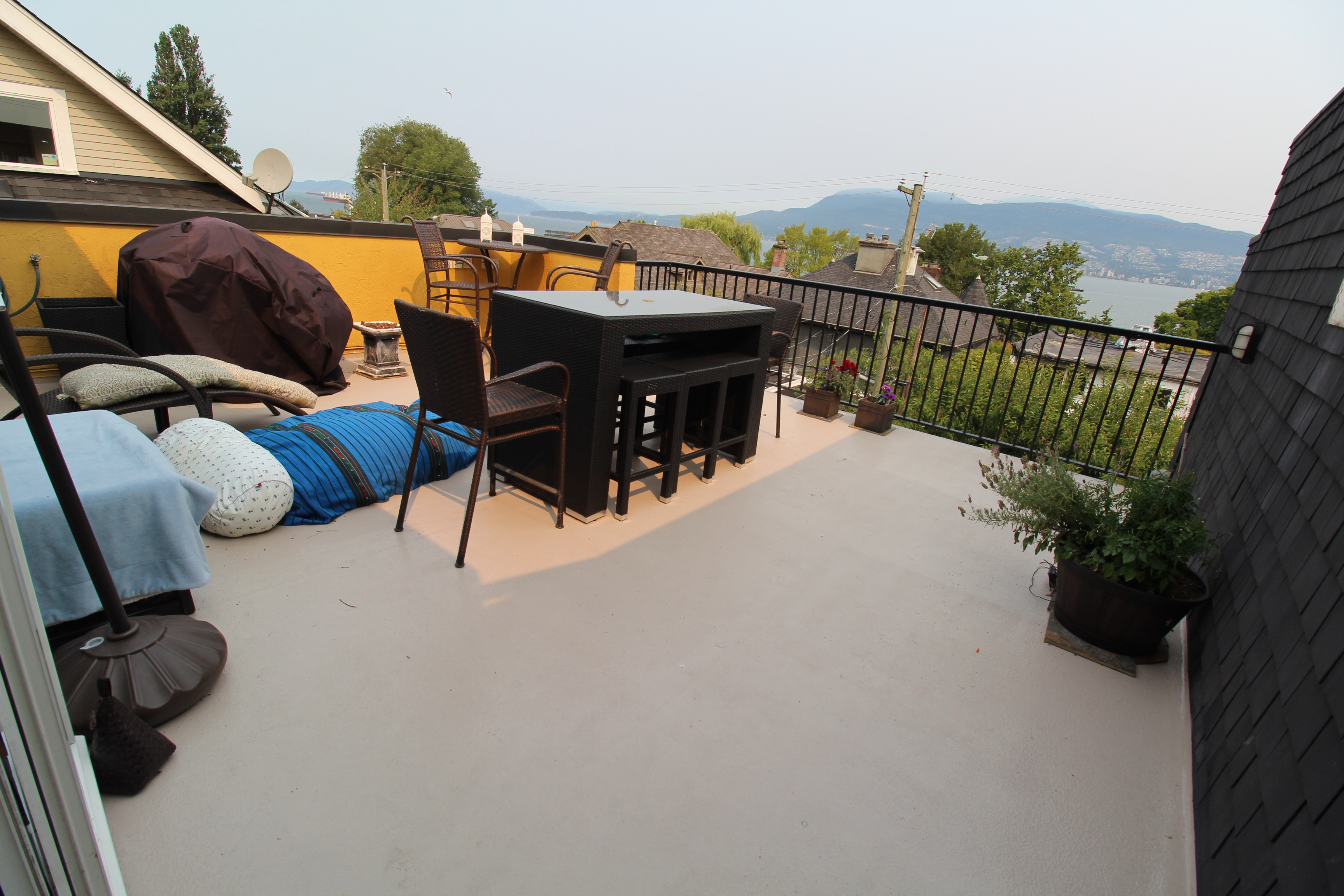 Liquid Applied Waterproof Decking Membrane